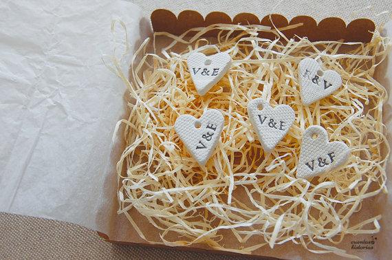 Etiquettes coeur argile blanche