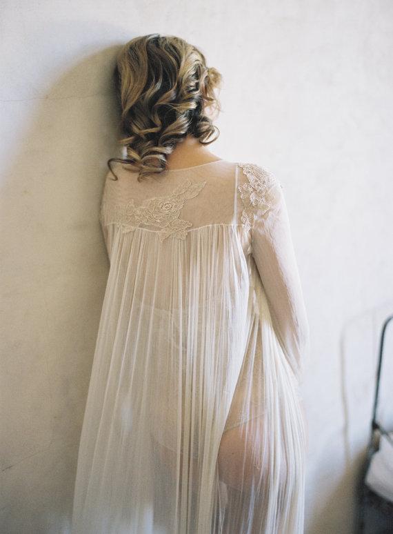 Robe dentelle et tulle nude