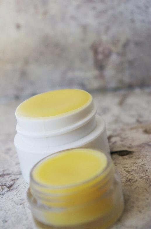 DIY Baume à lèvre à la cire d'abeille